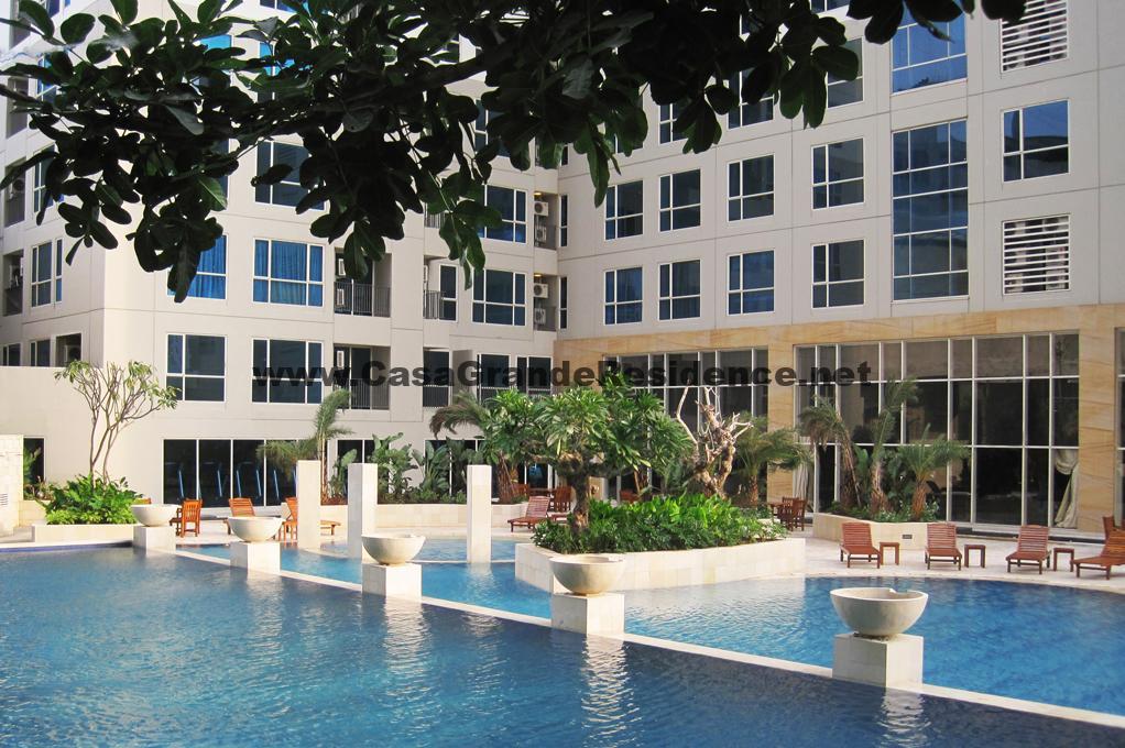 Swimming pool at area fasilitas apartment casagrande residence kota kasablanka KOKAS